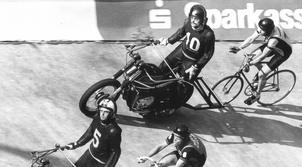 Deutsche Steher-Meisterschaft 1983 – Horst Gewiss hinter Schrittmacher Christian Dippel (10), Gerd Funk folgt Wolfgang Schäffer (5)