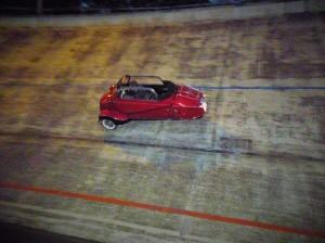 Messerschmitt Kabinenroller in der Steilkurve 2014, AWD Museum